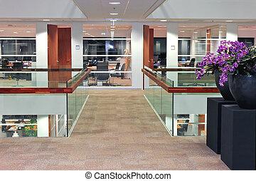 interior, edificio de oficinas