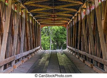 interior, puente, cubierto, james