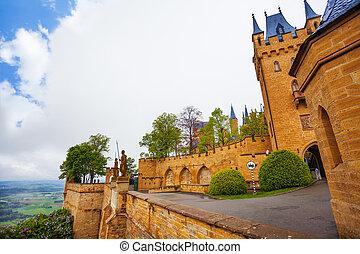 interior, yarda, vista, de, hohenzollern, castillo, en, verano