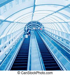 International Airport elevator