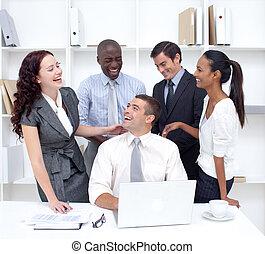 international, businessteam, arbeitende , und, spaß haben