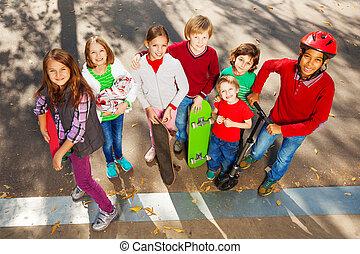 internationell, skateboard, vänner, stå
