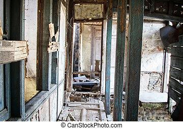 interne, maison, destruction