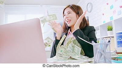 internet making money concept