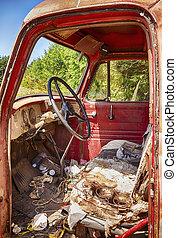 interno, di, vecchio, camion rosso