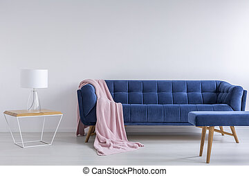 interno, sofà blu