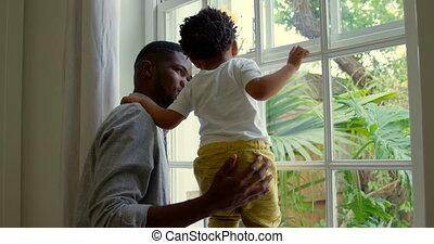 interpretacja, czarnoskóry, okno, dom, jego, bok, wygodny, prospekt, ojciec, 4k, próg, syn, młody