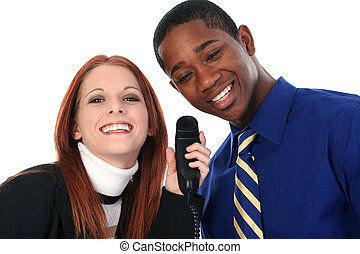 interracial カップル, 共有, 携帯電話