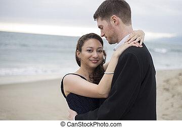 interracial カップル, 浜, ロマンチック