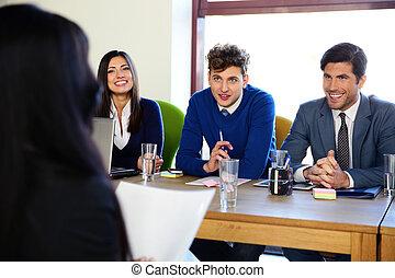 interview, eny povolání, úřad, sedění