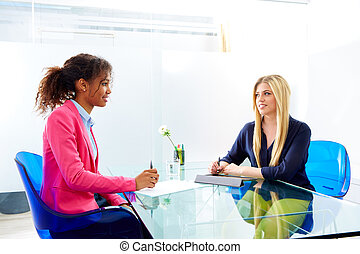 interview, multi, vergadering, businesswomen, ethnische