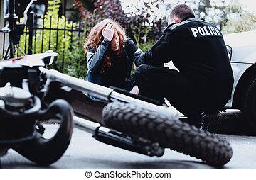 interviewer, chauffeur, moto, policier