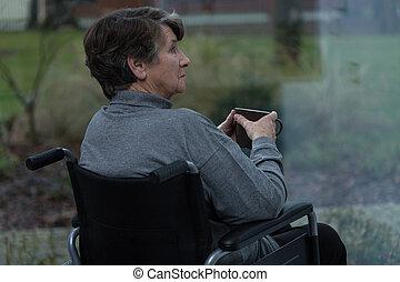 invalide, eenzaam, vrouwen
