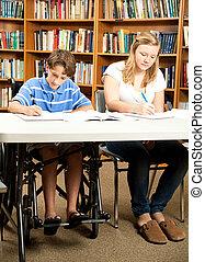 invalide, jongen, huiswerk