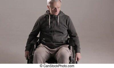 invalide, lijden, eenzaamheid, man