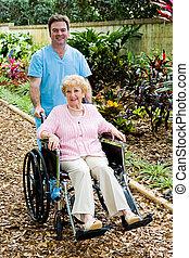 invalide, oude vrouw, en, verpleegkundige