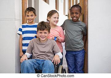 invalide, pupil, met, zijn, vrienden, in, klaslokaal