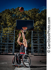 invalidere, basketball spiller, ind, en, wheelchair, lege, på, åbn, gaming, ground.
