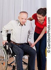 invalido, aiuta, su, infermiera, ottenere