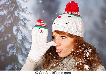 inverno, donna, con, cappello pupazzo nve
