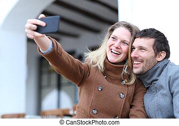 inverno, presa, adulti, coppia felice, selfies