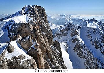 inverno, refúgio esqui, em, a, dolomites