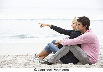 inverno, sentando, par, jovem, feriado, praia