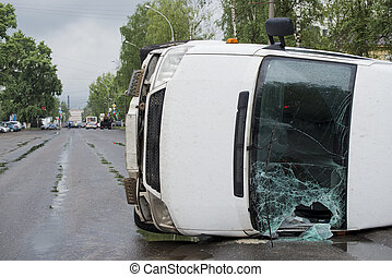 invertido, car, após, um, acidente