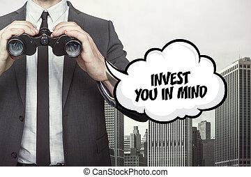 investir, mente, binóculos, fala, segurando, texto, homem negócios, bolha, seu