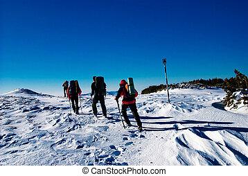 invierno, excursionismo