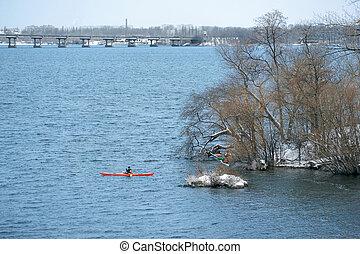 invierno, kayaking, en, el, río, en, ucrania, 01