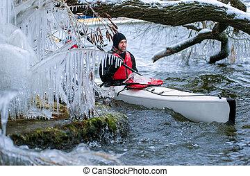 invierno, kayaking, en, el, río, en, ucrania, 03
