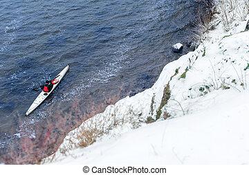 invierno, kayaking, en, el, río, en, ucrania, 23