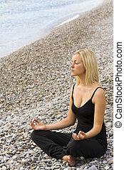 ioga, praia