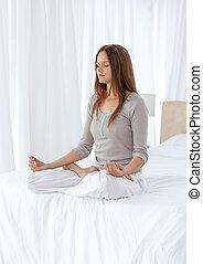 ioga, quieto, cama, exercícios, mulher
