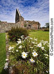 Iona Nunnery Ruins - Iona Nunnery ruins on the Isle of Iona ...