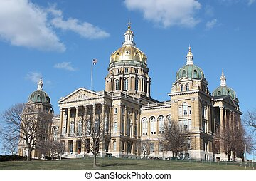 Iowa State Capitol-Des Moines IA - View of the Iowa State ...