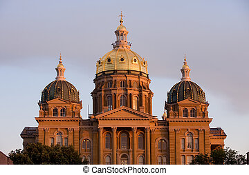 State Capitol in sunset light in Des Moines, Iowa