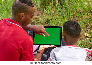 ipad, tablette, leute, schirm, grün, internet, gebrauchend, e-mail