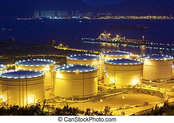ipari, nagy, finomító, olaj, tartály, éjszaka