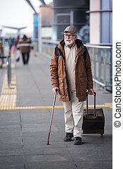 ir, macho, pensativo, gray-haired, bagagem