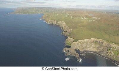 irisch, welt, berühmt, touristenattraktion, in, grafschaft, clare., der, klippen moher, sonnenuntergang, westliche küste, von, ireland., episch, irisch, landschaftsbild, und, wasserlandschaft, entlang, der, wild, atlantisch, way.scenic, natur, von, ireland.