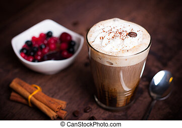 Irish cofee - Irish coffee in simple glas with fruits