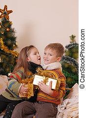 irmã, christms, árvore, irmão, sob