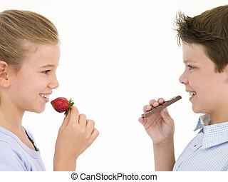 irmã, comer, irmão, chocolate, moranguinho, barzinhos
