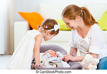 irmã, grande, family., recem nascido, mãe, bebê, crianças