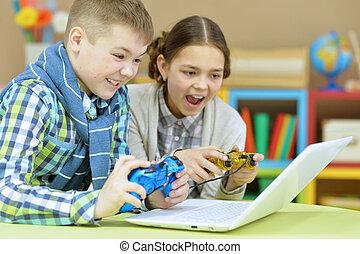 irmã, jogo computador, irmão, tocando