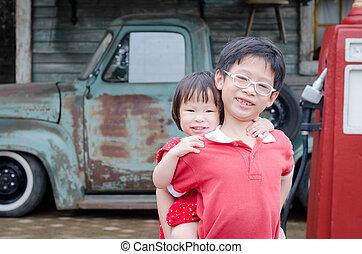 irmã, seu, asiático, jovem, irmão