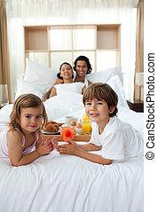 irmãs, tendo, pais, seu, pequeno almoço