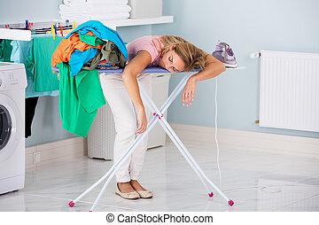 ironing, mulher, dormir, tábua, cansadas
